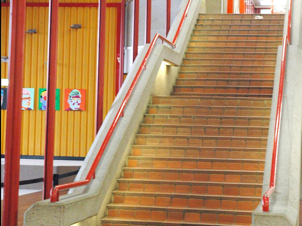 RWB Essen - Rundgang Gebäude - Aufgang zur 1. Etage