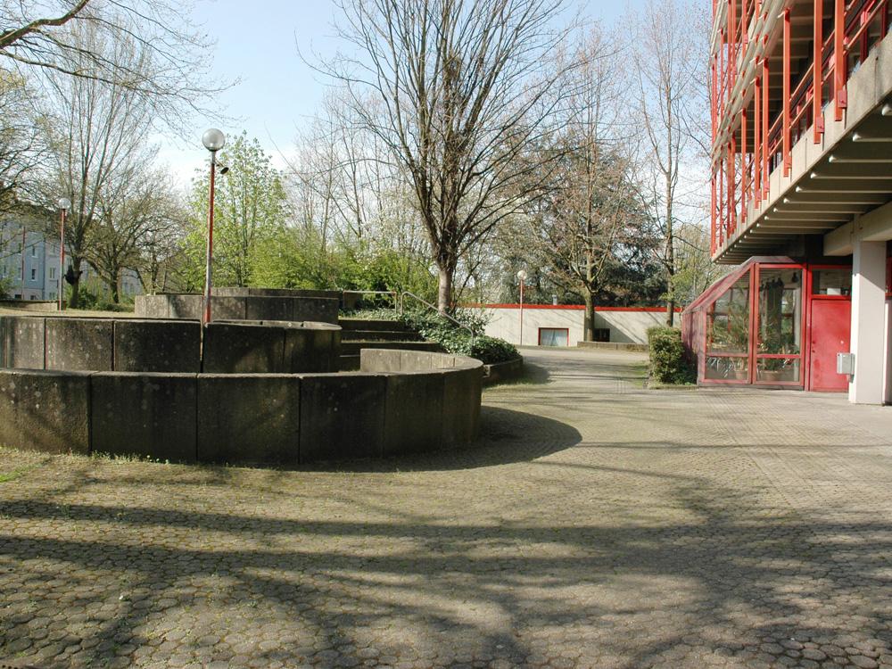 RWB Essen Schule Rundgang Schulhof