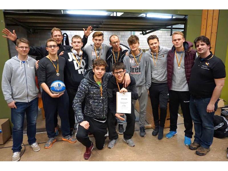 RWB Essen - Basketballturnier Osnabrück - Team Jungen -  Siegerehrung