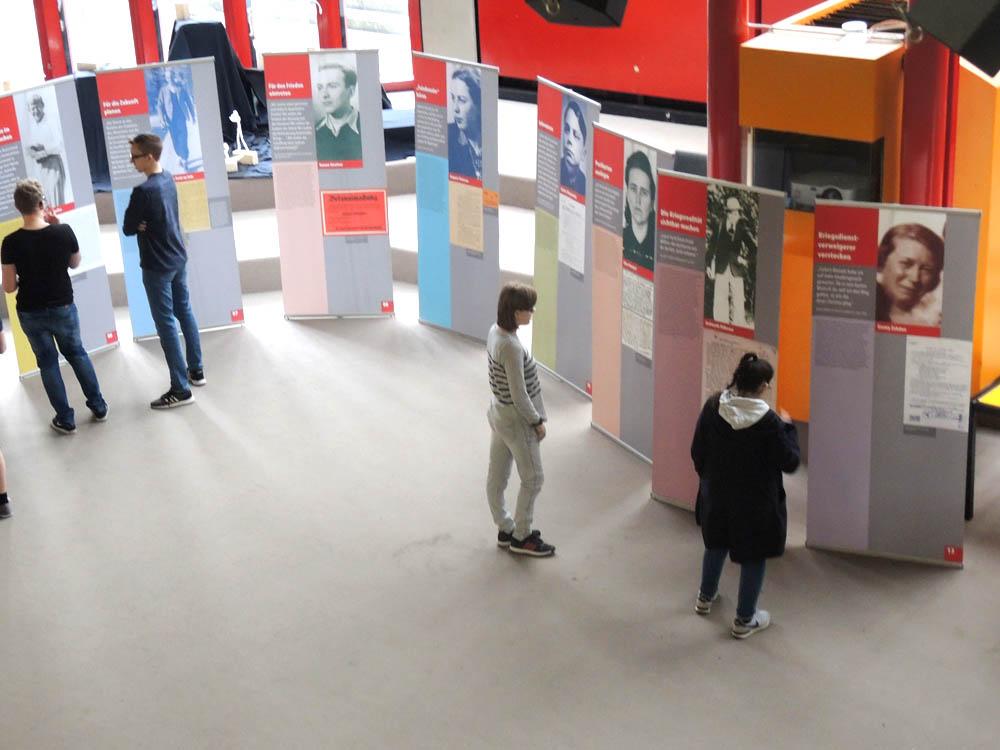 """RWB Essen - Ausstellung im Pädagogischem Zentrum """"Widerstand im Nationalsozialismus"""""""
