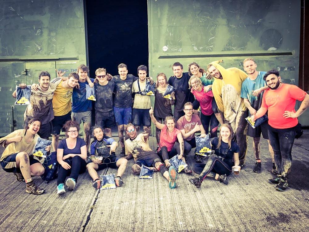 RWB Essen - Mud Masters in Weeze - Gruppenfoto nach dem Hindernislauf