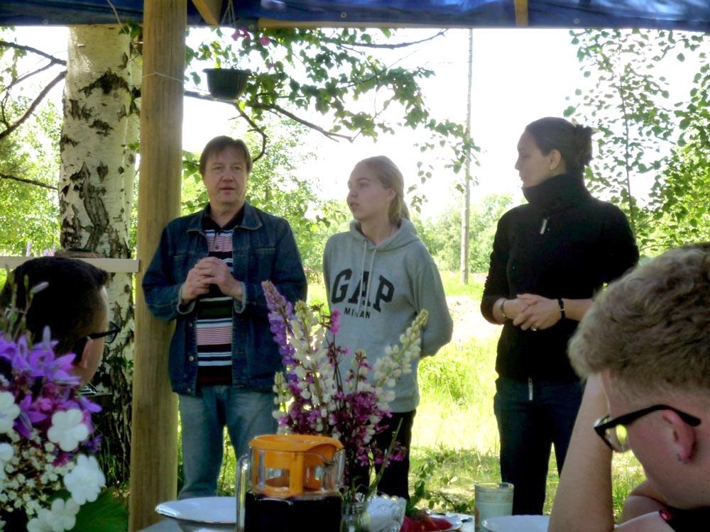 RWB Essen - Studienfahrt nach Russland - freundlicher Empfang im Bauerndorf