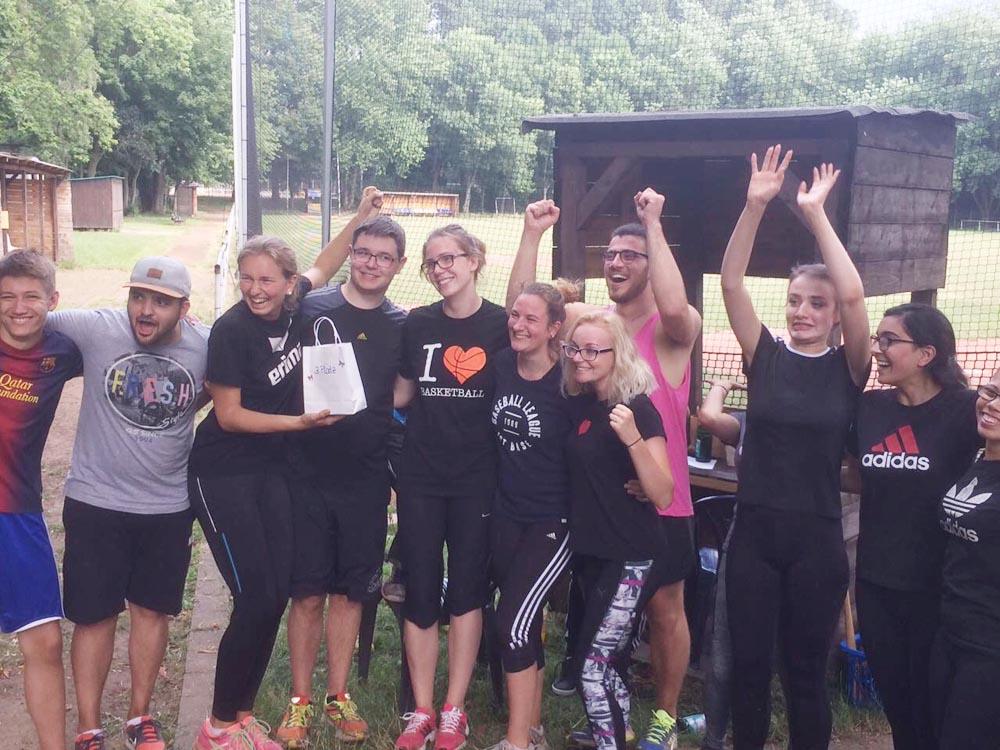 RWB Essen - Baseballturnier 2017 - Gruppenfoto der Teilnehmerinnen und Teilnehmer