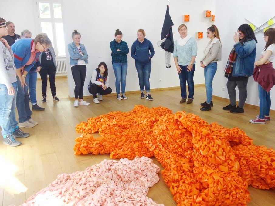 RWB Essen - Besuch des Textilmuseums in Gelsenkirchen - gehäkeltes Objekt