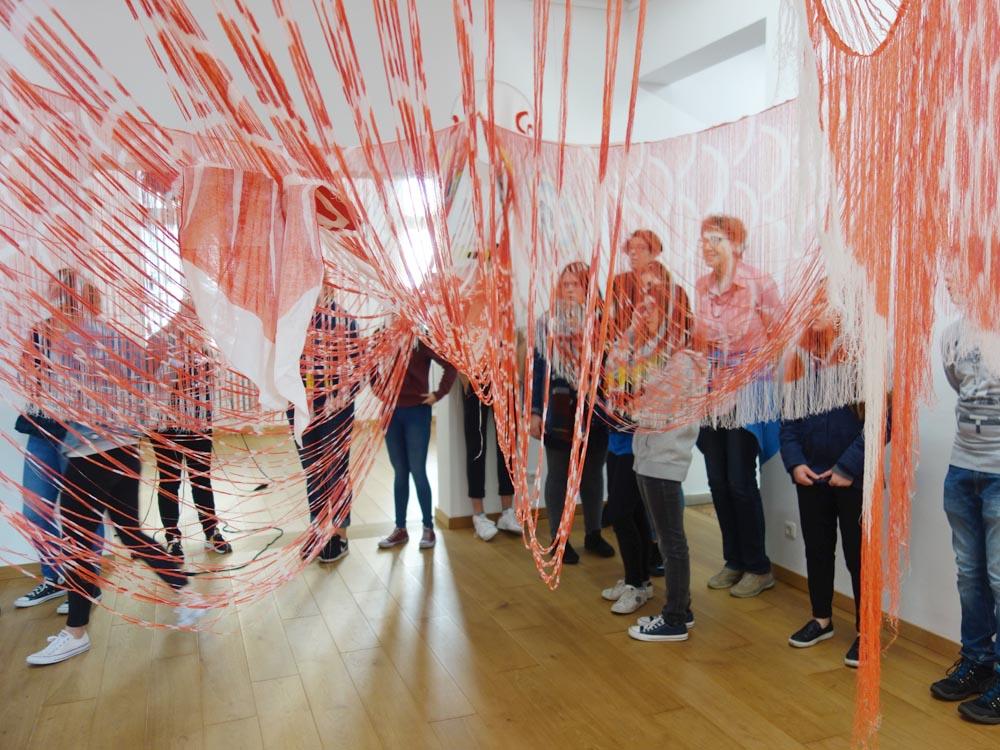 RWB Essen - Besuch des Textilmuseums in Gelsenkirchen - Objekt Assoziation Fisch oder Drache