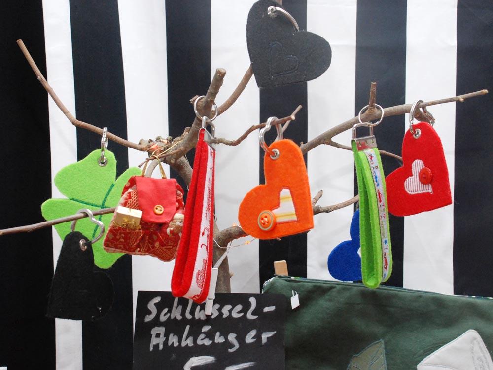 RWB Essen - Weihnachtsmarkt 2017 - Verkaufsstand für Feines aus Stoff