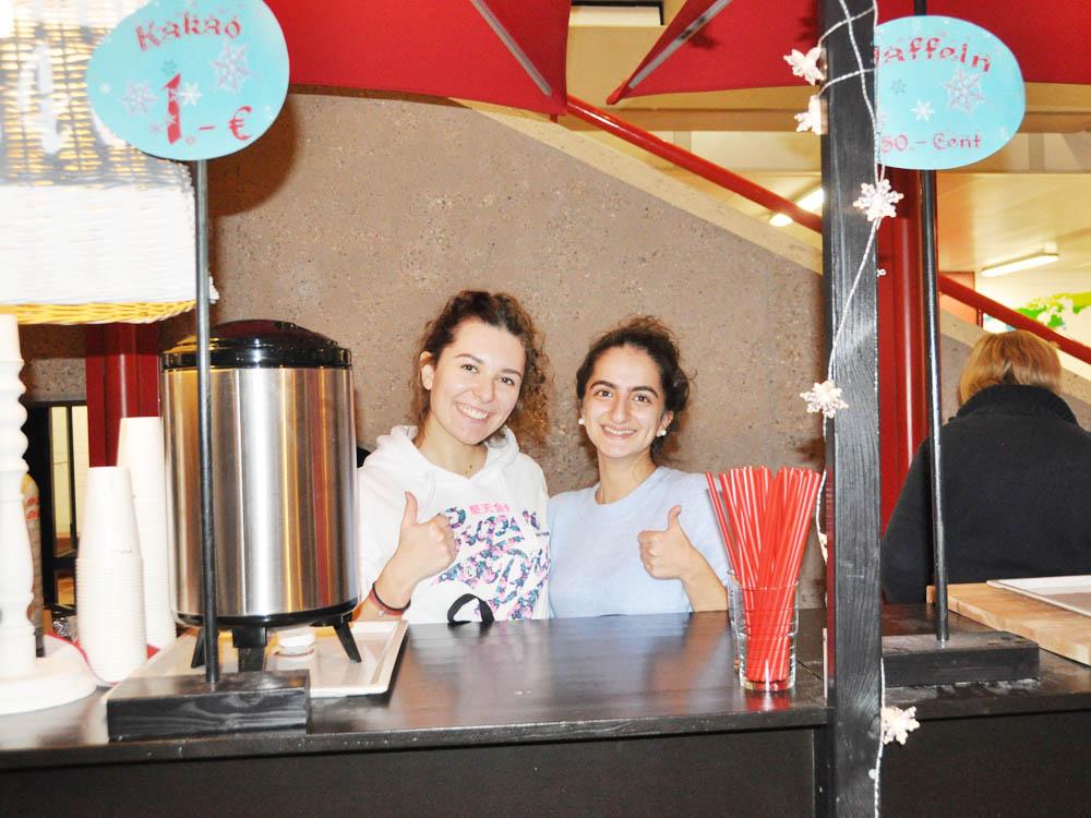 RWB Essen - Weihnachtsmarkt 2017 - Verkaufsstand für Kakao, Kaffee und Waffeln