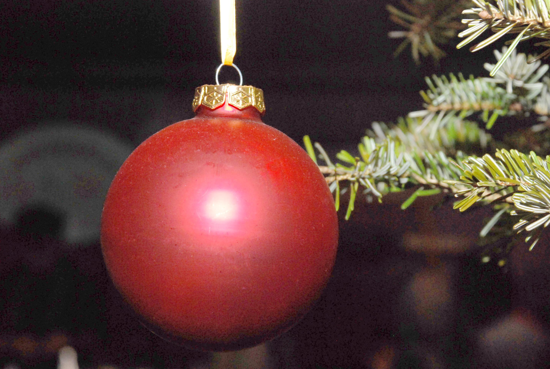 RWB Essen - Weihnachtsmarkt 2017 - Weihnachtskugel am Tannenbaum