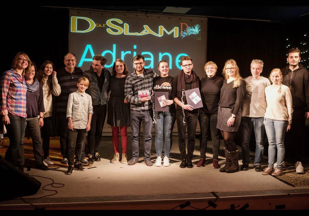 RWB Essen - Deaf Slam IV - Gruppenbild mit allen Teilnehmern und Unterstützern