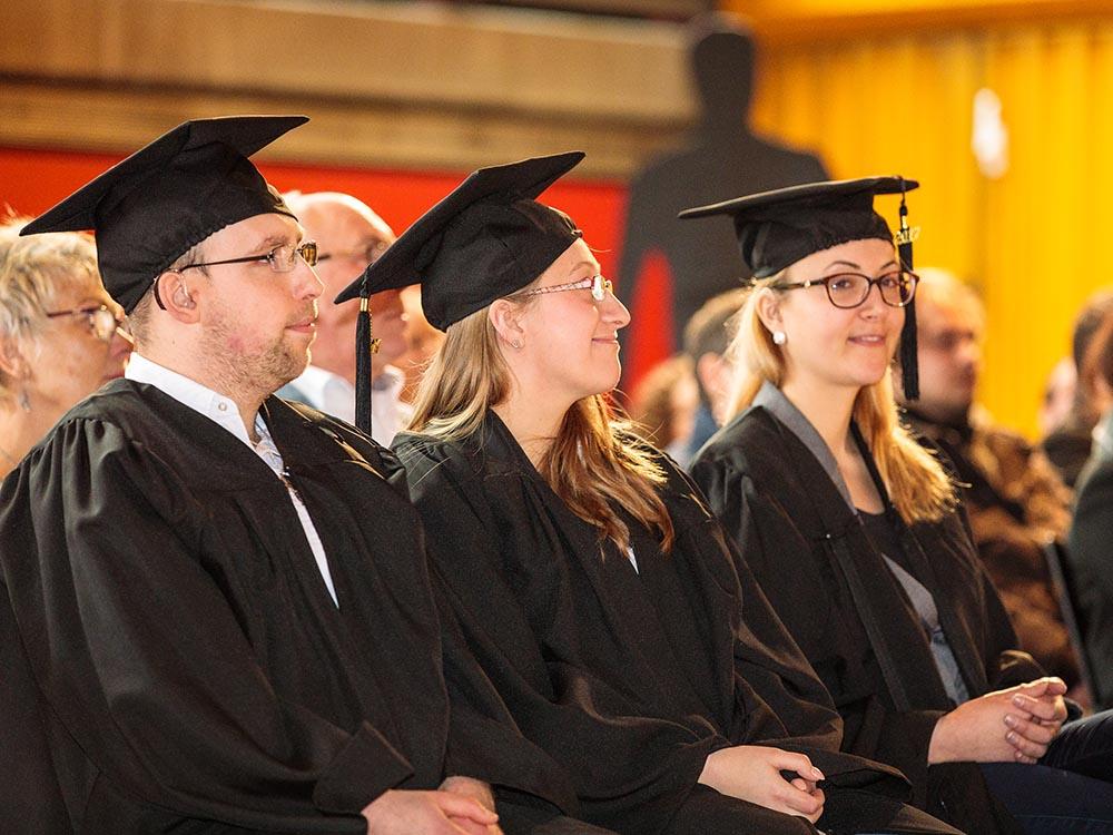 RWB Essen - Verabschiedung der staatlich geprüften Betriebswirte aus der Virtuellen Fachschule - die Absolventinnen und der Absolvent