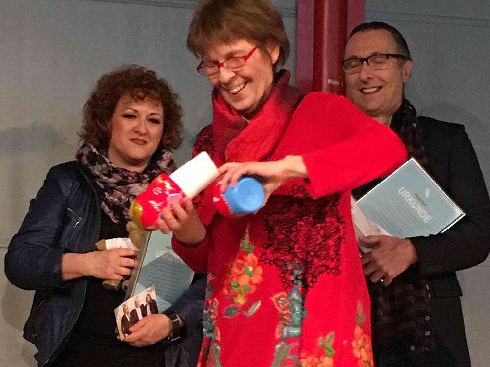 RWB Essen - Verabschiedung der staatlich geprüften Betriebswirte aus der Virtuellen Fachschule - Lehrerin Frau Oertel