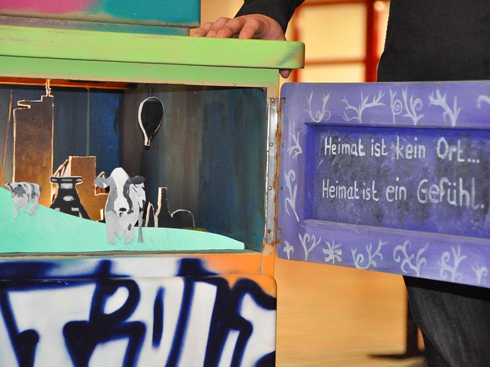 """RWB Essen - Kunstprojekt """"Alles Theater"""" - Bühnenbild """"Niederrhein und Ruhrgebiet als Heimat"""""""