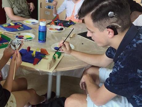 RWB Essen - Come-Together-Projekttag in Krefeld - Arbeit an dem gemeisamen Projekt 3D-Malerei