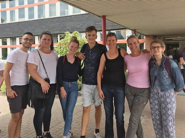 RWB Essen - Come-Together-Projekttag in Krefeld - Teilnehmerinnen und Teilnehmer des RWB Essen