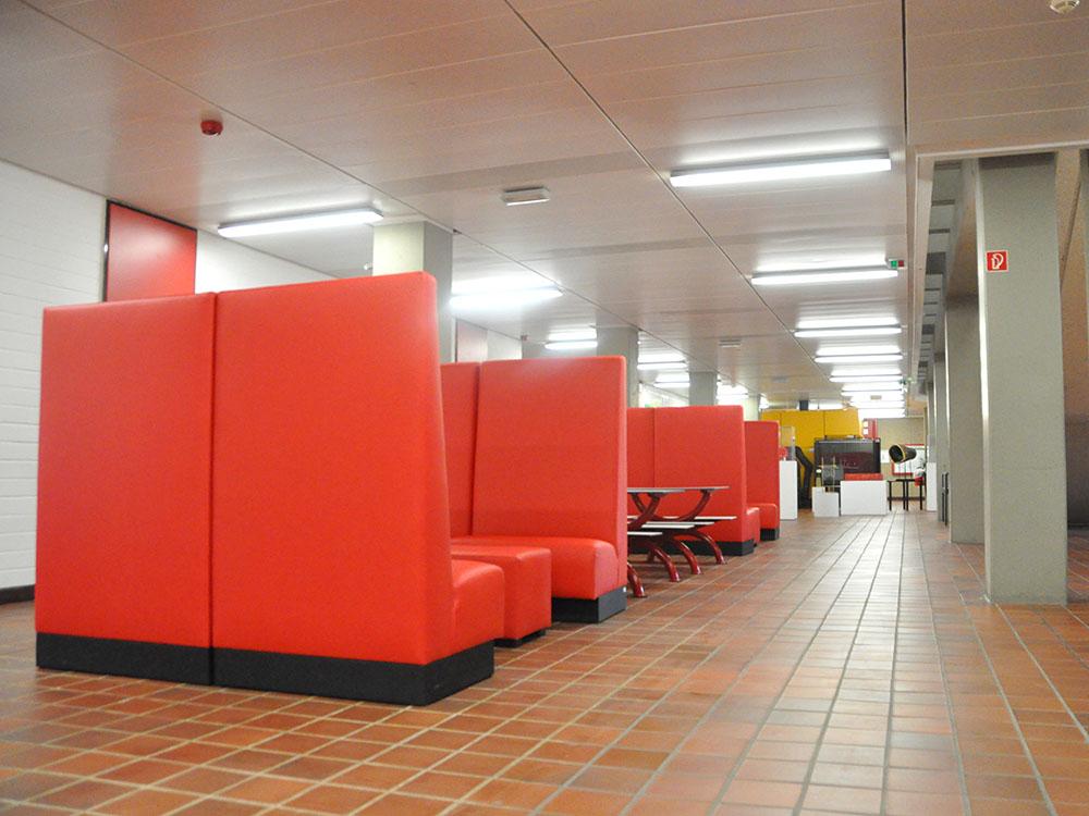 RWB Essen - Rundgang Gebäude - Aufenthaltsbereich im Erdgeschoss