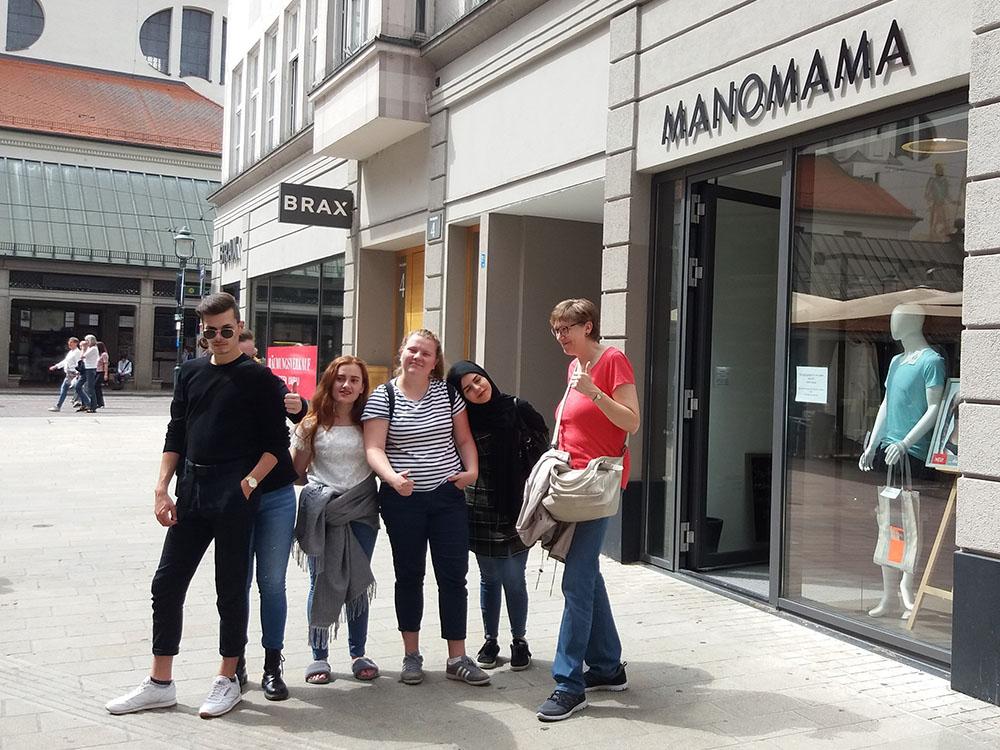 RWB Essen - Studienfahrt nach Augsburg - Besuch der Mode Boutique Manomama