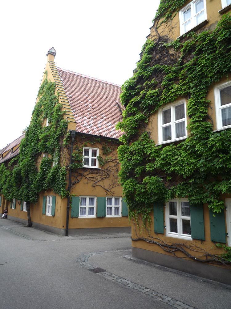 RWB Essen - Studienfahrt nach Augsburg - Besuch der Fuggerei, der ältesten Sozial-Siedlung in Augsburg