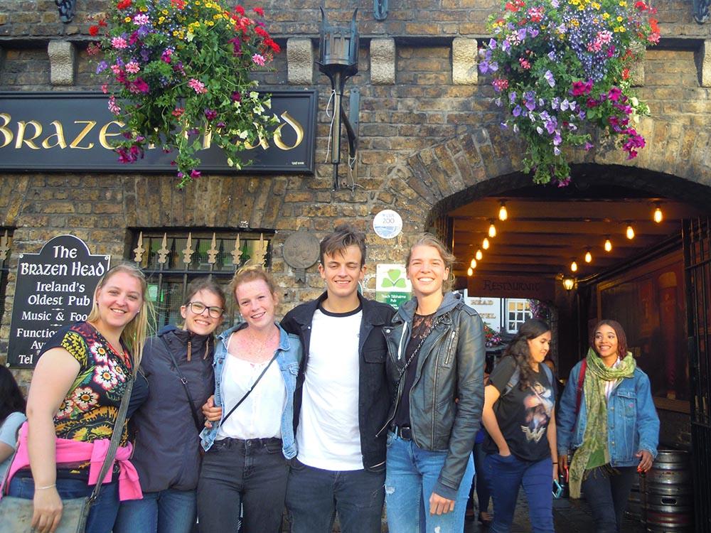 RWB Essen - Studienfahrt nach Dublin -  Besuch des Pubs Brazen Head