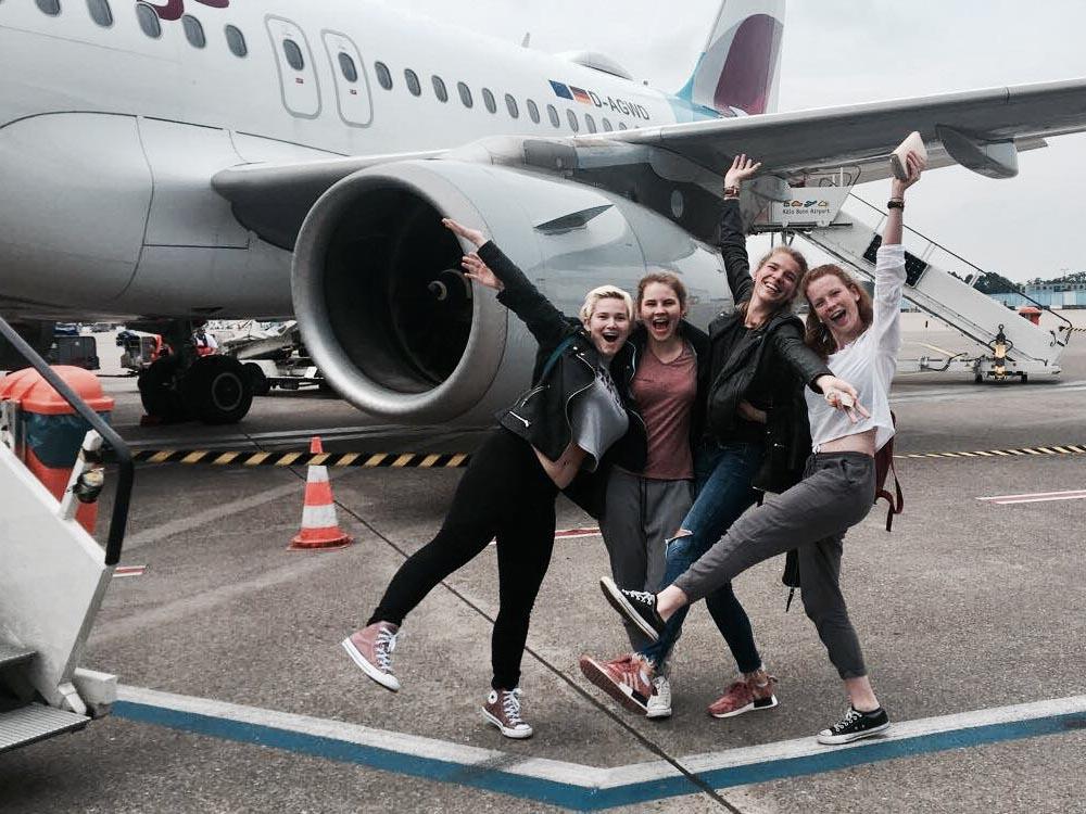 RWB Essen - Studienfahrt nach Dublin - Start auf dem Rollfeld