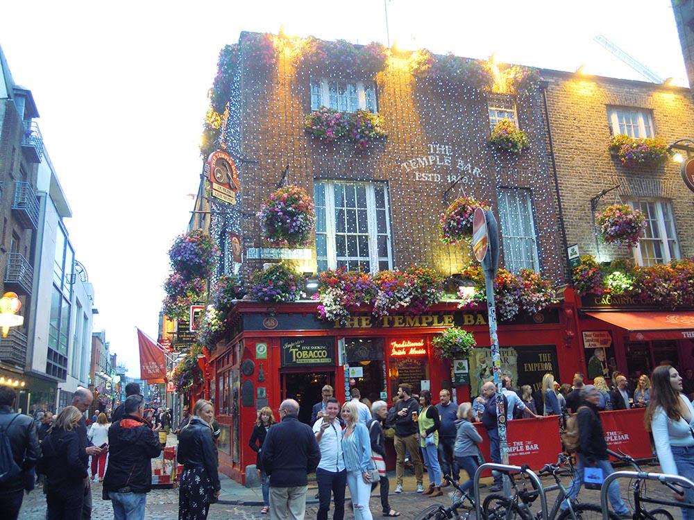 RWB Essen - Studienfahrt nach Dublin -  Besuch der Temple Bar