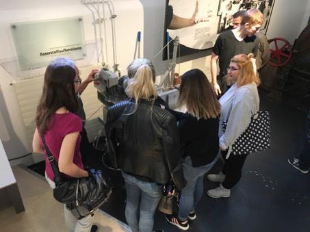 RWB Essen -  Besuch im Papiermuseum - Papierherstellung