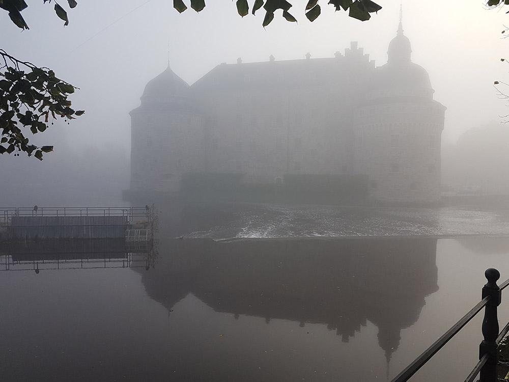 RWB Essen - Spreadthesign Projekt 360° - Schloss in Örebro im Nebel