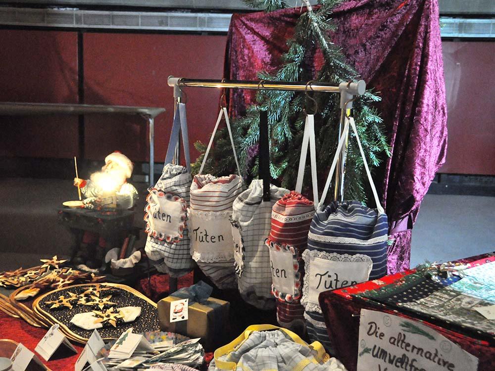 RWB Essen - Weihnachtsmarkt 2018 - Verkauf von genähten Taschen, Beuteln, Schlüsselanhängern und vielem mehr