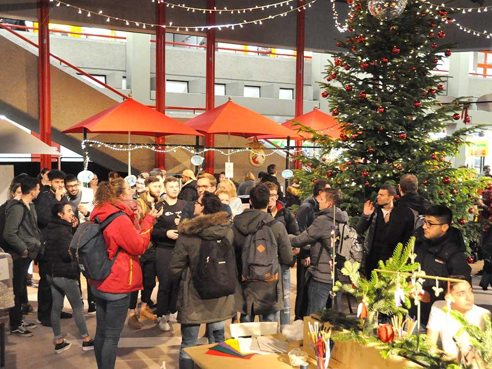 RWB Essen - Weihnachtsmarkt 2018 - Ein Treffpunkt für viele Besucher