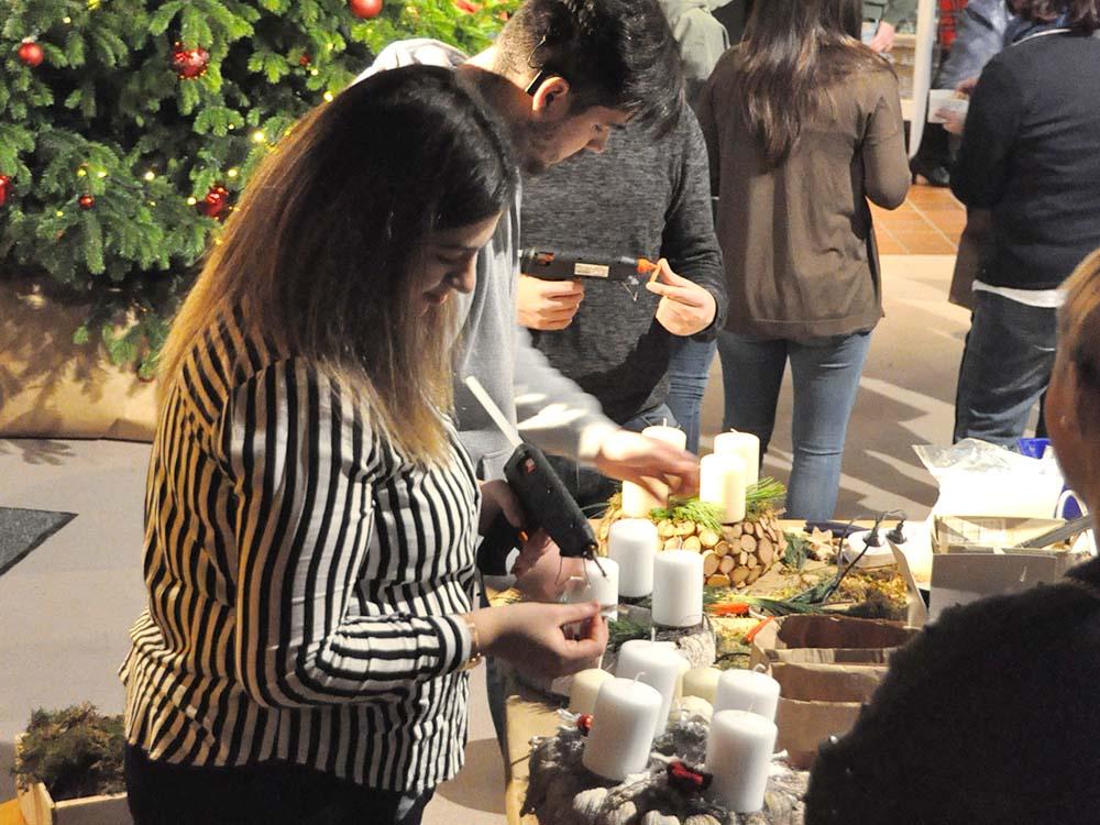 RWB Essen - Weihnachtsmarkt 2018 - Adventskränze zum Selbstbasteln