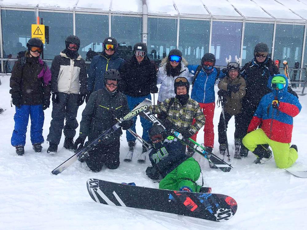 RWB Essen - Skifahrt nach Kärtnen - Gruppenbild der Teilnehmerinnen und Teilnehmer