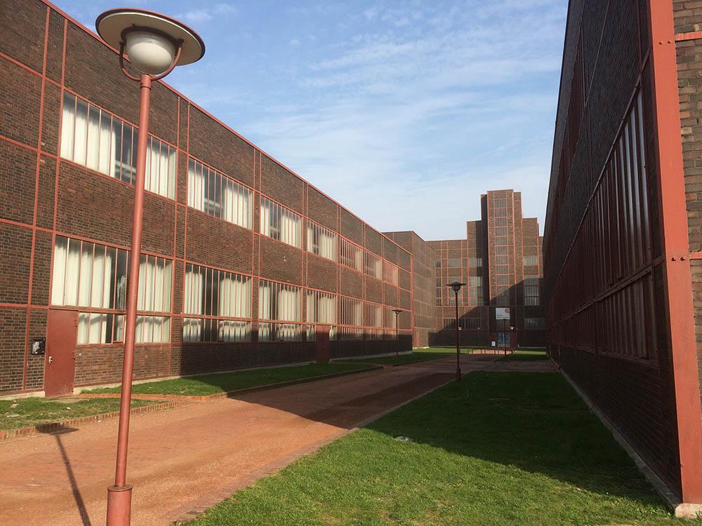 RWB Essen - Besuch des Red Dot Design Museums - Architektur auf dem Gelände der Zeche Zollverein