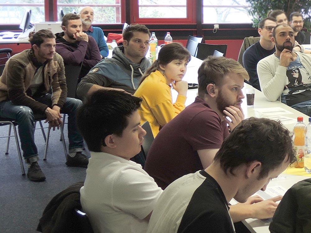 RWB Essen - Präsentation der PFH Göttingen - Die Fragen der  Fachschülerinnen und Fachschüler werden ausführlich beantwortet.