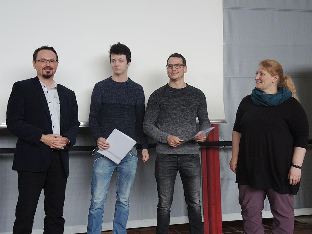 RWB Essen - Abschlussfeier der Abteilung Technik 2019 - Die Absolventinnen und Absolventen im Berufsfeld Metall und Elektro bekommen ihre Zeugnisse überreicht.