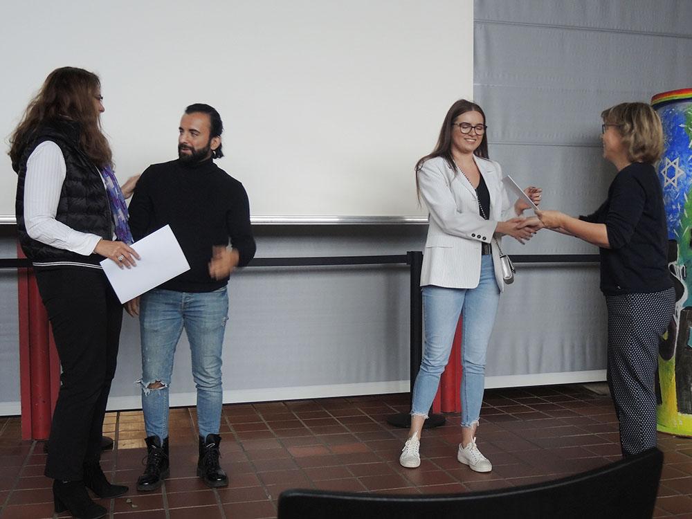 RWB Essen - Abschlussfeier der Abteilung Technik 2019 - Die Schülerinnen und Schüler bekommen ihre Jahreszeugnisse überreicht.