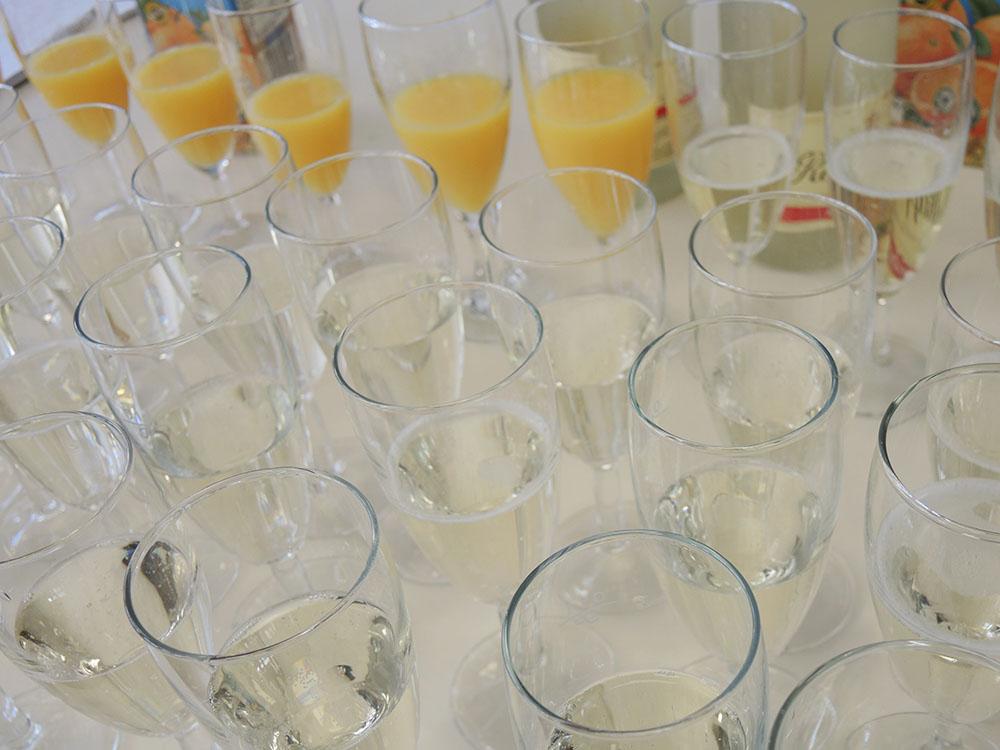 RWB Essen - RWB Essen - Abschlussfeier der Abteilung Technik 2019 - Es gab zur Belohnung viele leckere Sachen zu Essen und zu Trinken (alkoholfreier Sekt und Orangensaft).