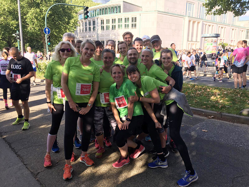 RWB Essen - Essener Firmenlauf 2019 - Gruppenbild aller Teilnehmerinnen und Teilnehmer