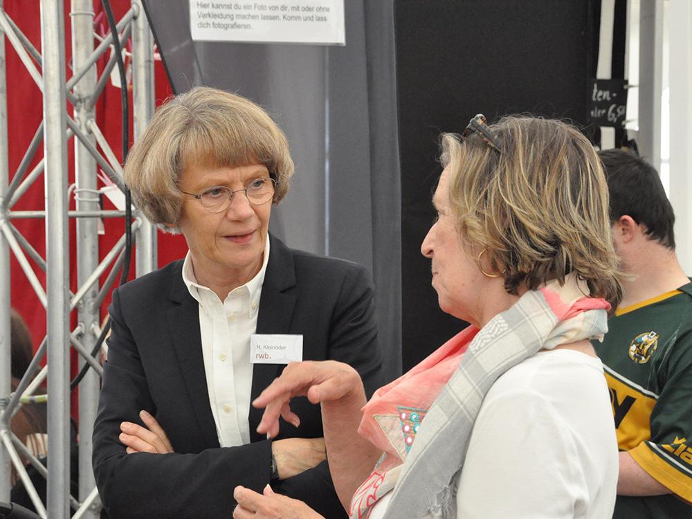RWB Essen - Tag der Begegnung 2019 in Köln - Frau Heidemarie Kleinöder (Schulleiterin RWB) im Gespräch