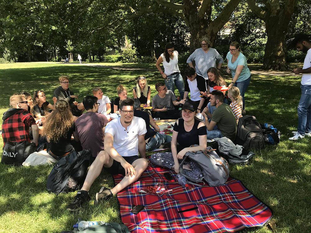 RWB Essen - Tour de Ruhr 2019 - Picknick auf der Brehminsel in Essen-Werden