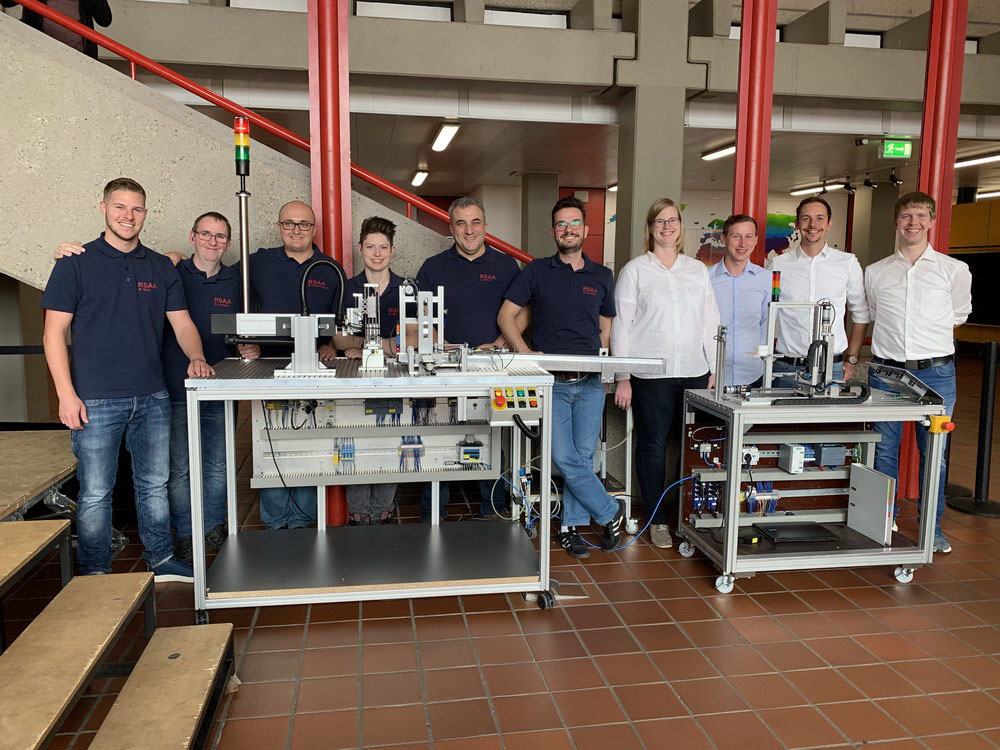 RWB Essen - Fachschule Automatisierungstechnik - Präsentation der Abschlussprojekte - Gruppenfoto der FST 2015