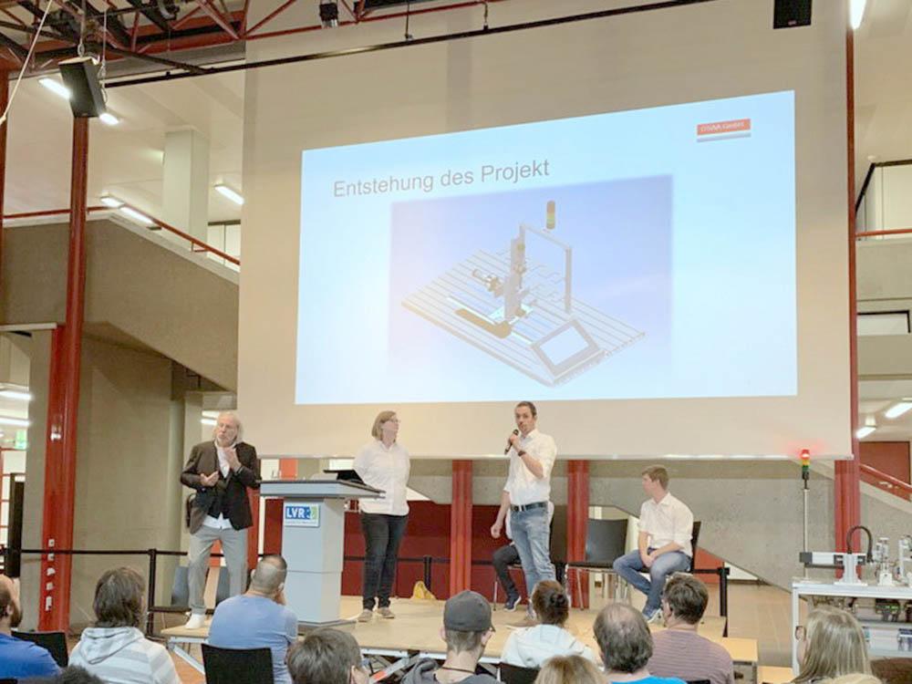 """RWB Essen - Fachschule Automatisierungstechnik - Präsentation der Abschlussprojekte - Gruppe 2 - Die zweite Gruppe stellt ihr Projekt """"Hochregal-Lager mit SPS-Technik und HMI Panel"""" vor."""