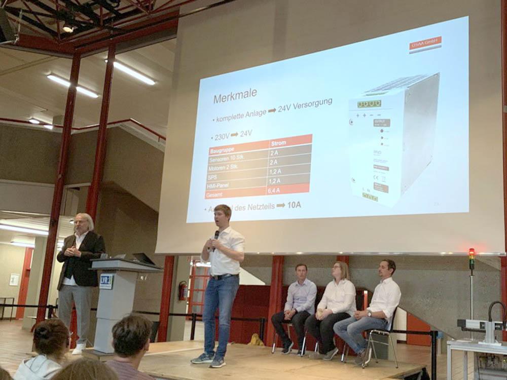 RWB Essen - Fachschule Automatisierungstechnik - Präsentation der Abschlussprojekte - Gruppe 2 - Das Netzteil gehört zu den wichtigen Komponenten der Anlage.