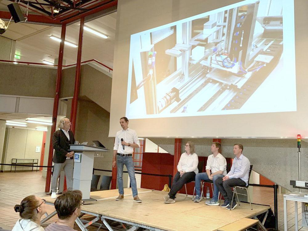 RWB Essen - Fachschule Automatisierungstechnik - Präsentation der Abschlussprojekte - Gruppe 2 - Ein Video bildet den Abschluss der Präsentation.