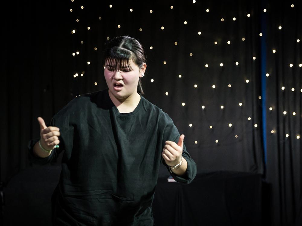 RWB Essen - Deaf Slam 6 - Carina bei ihrem Auftritt