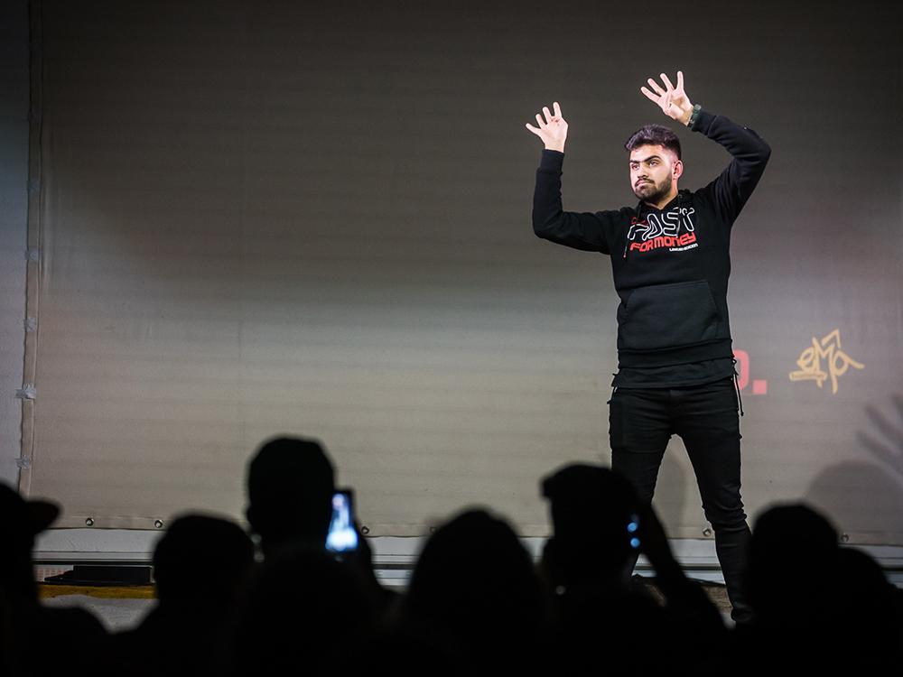 RWB Essen - Deaf Slam 6 - Mujib bei seinem Auftritt