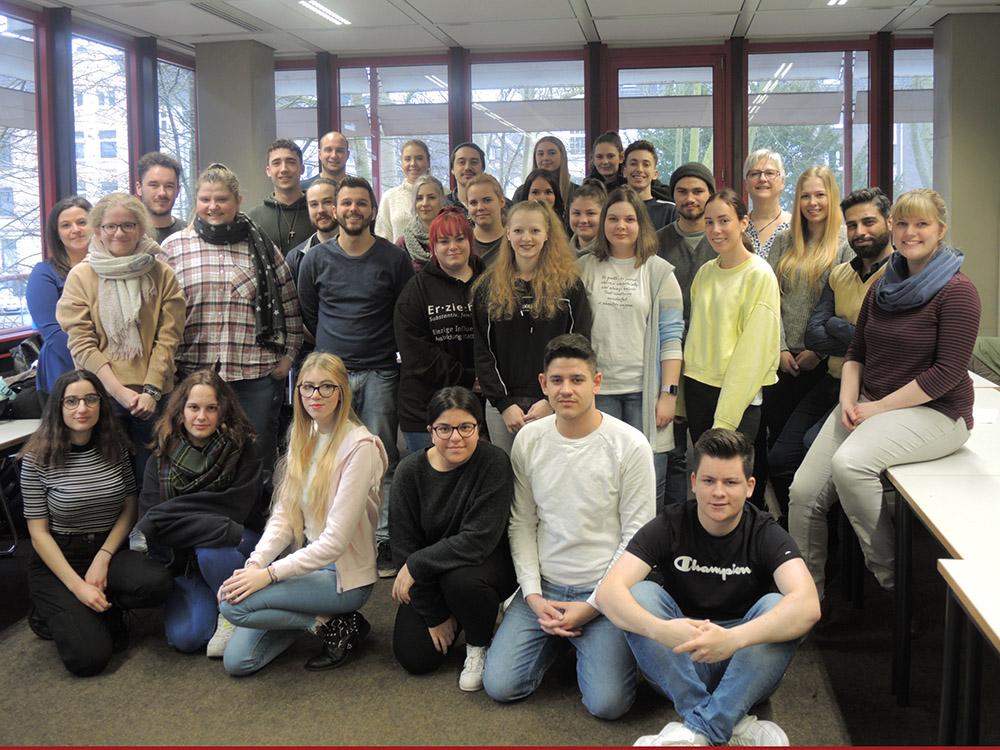 RWB Essen - Begegnung und Erfahrungsaustausch im Sozialwesen - Gemeinsames Gruppenfoto zum Abschluss des Tages