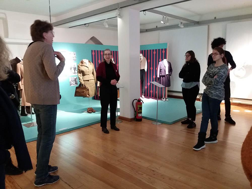 RWB Essen - Besuch des Textilmuseums in Ratingen - Ausstellung 60er Jahre Mode - Führung durchs Museum