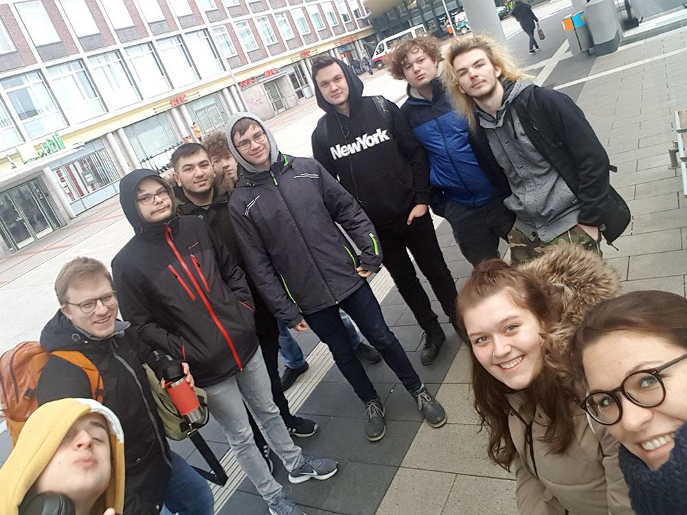 RWB Essen - Exkursion zu G Data - Treffen am Hauptbahnhof in Bochum