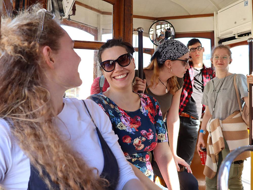 RWB Essen - Studienfahrt nach Lissabon 2020 - Fahren mit der historischen Tram