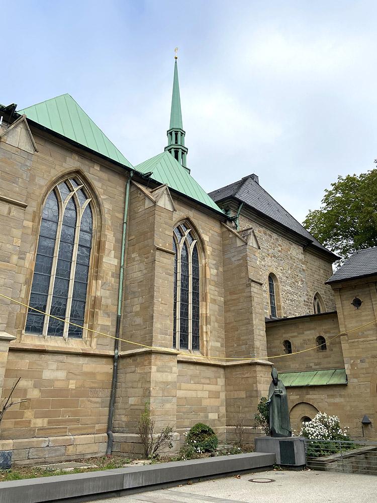 RWB Essen - Besuch des Essener Doms - romanische und gotische Fenster