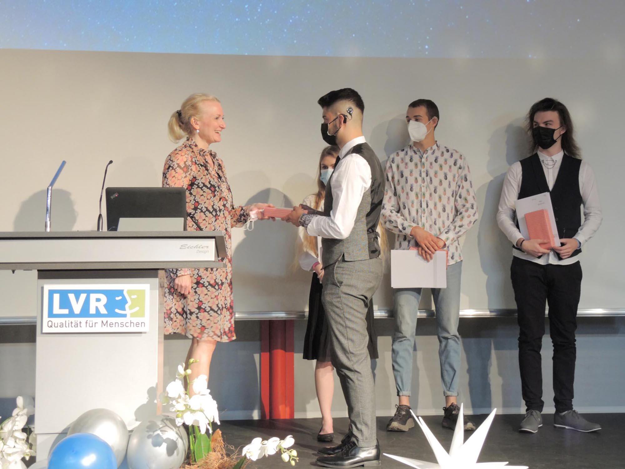 RWB Essen - Abiturfeier und Fachabiturfeier im Juni 2021 - Die Ehrung der Jahrgangsbesten